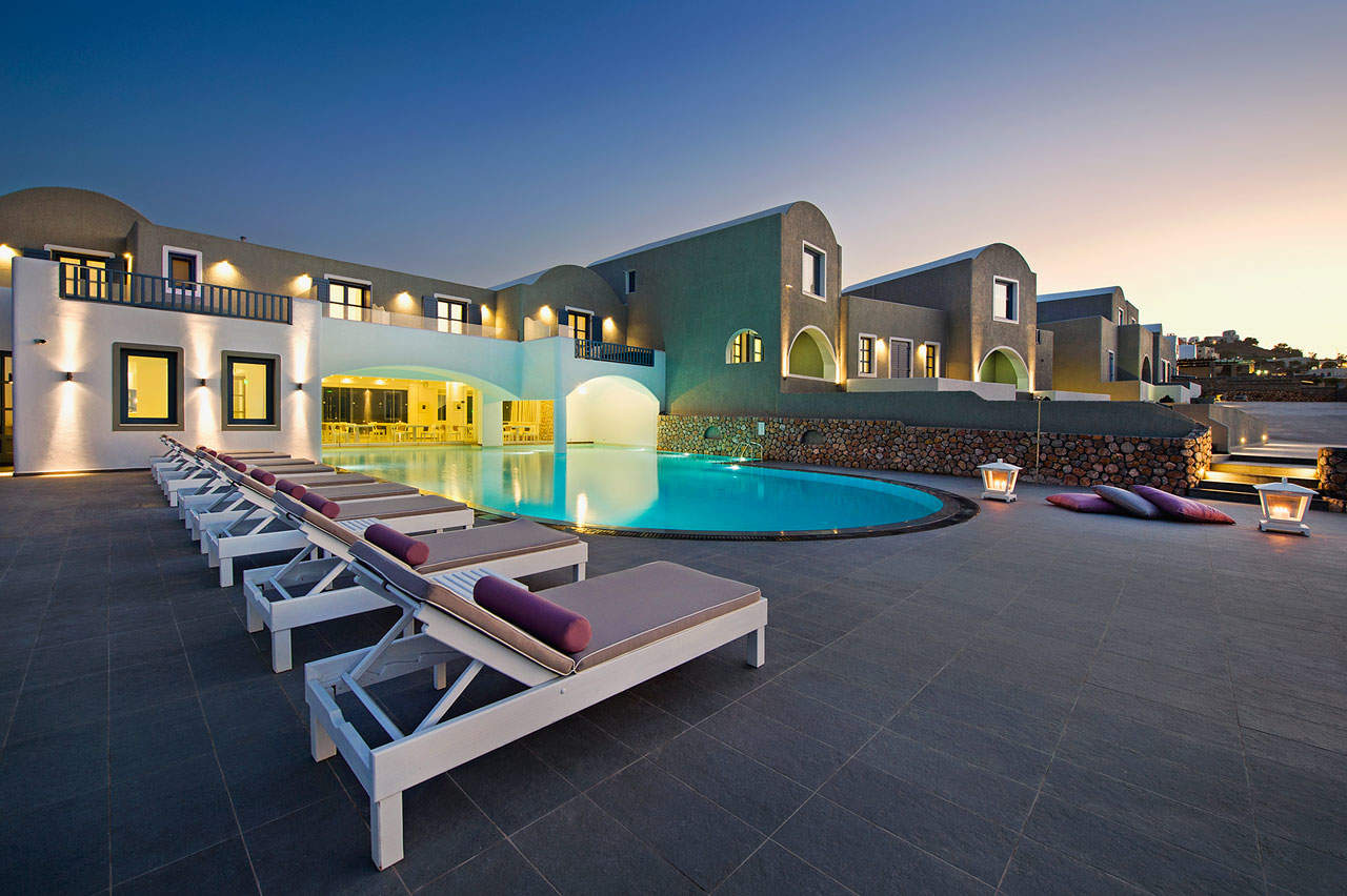 Luxury Hotel: ACROTERRA ROSA LUXURY SUITES