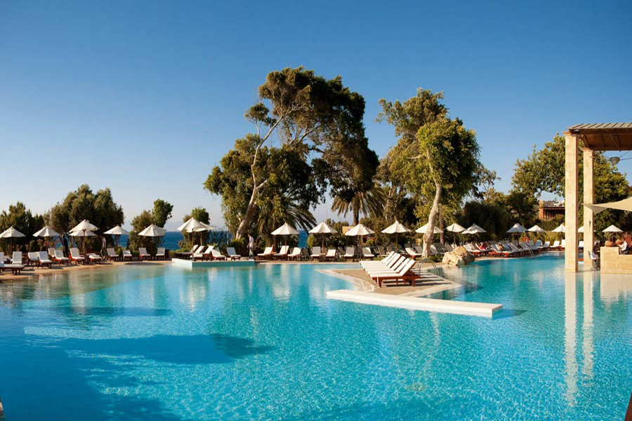 Luxury Hotel: Amathus Beach Hotel