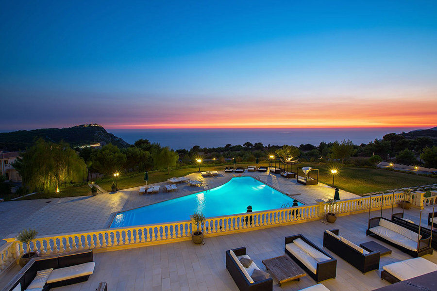 Luxury Hotel: Mabely Grand
