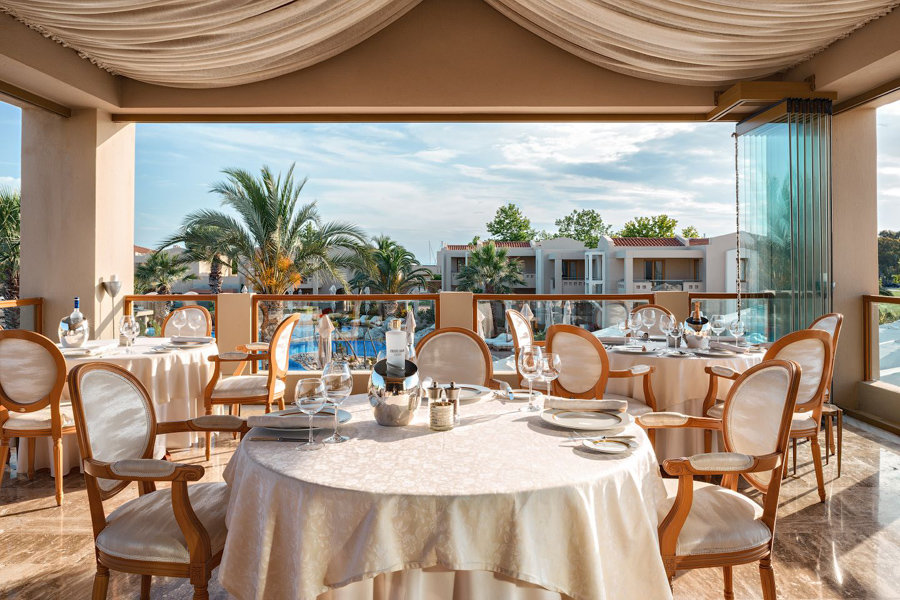 Luxury Hotel: Sani Beach Hotel & Spa