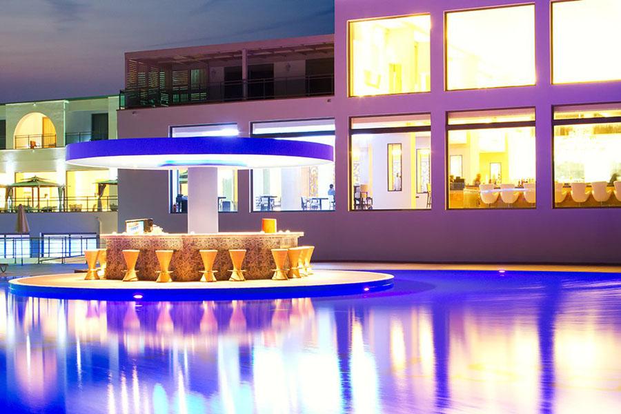 Kresten Royal Villas & Spa  Going Luxury. Hotel MÅ'yn. Vicentina Aparthotel. Arenales Playa Hotel. Hotel Bliss. Golden Tulip Bahrain Hotel. Beachside Resort. Du Lac & Bellevue Hotel. Radisson Blu Biarritz Hotel