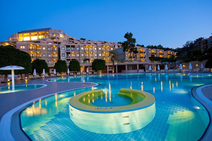 Luxury Hotel: Hilton Bodrum Turkbuku