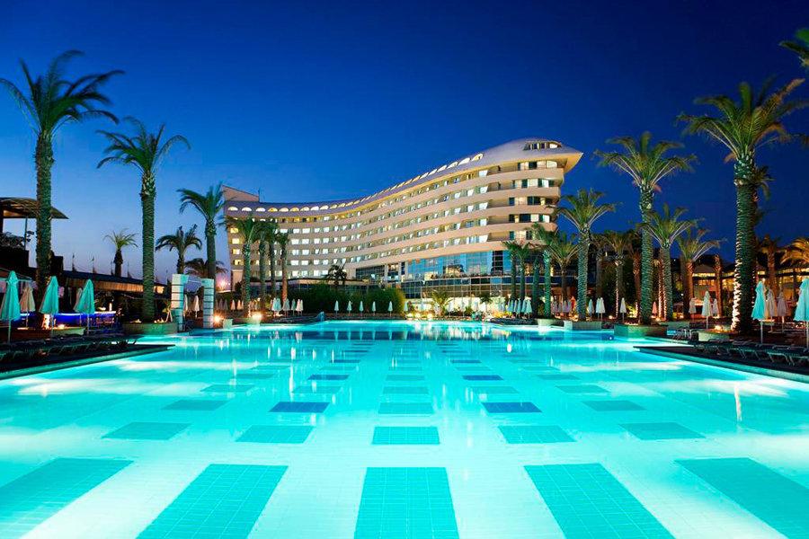 Luxury Hotel: CONCORDE DELUXE RESORT