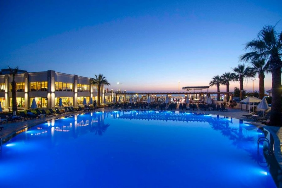 Luxury Hotel: Palm Wings Kusadasi Beach Resort
