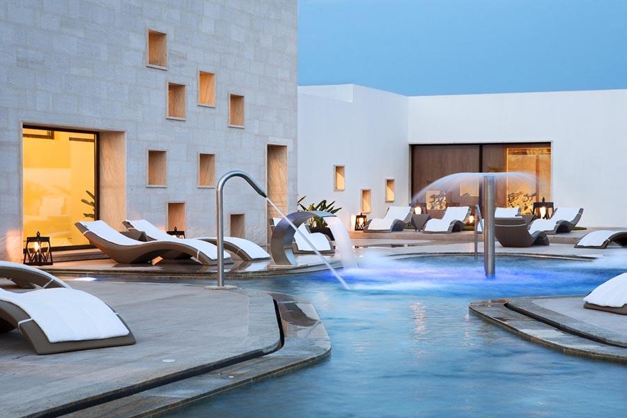 Luxury Hotel: GRAND PALLADIUM WHITE ISLAND RESORT & SPA