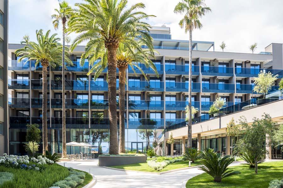 Luxury Hotel: Palmon Bay Hotel & Spa