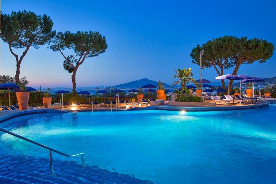 Luxury Hotel: HILTON SORRENTO PALACE