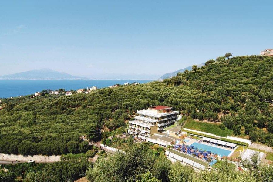 Luxury Hotel: BEST WESTERN HOTEL LA SOLARA SORRENTO