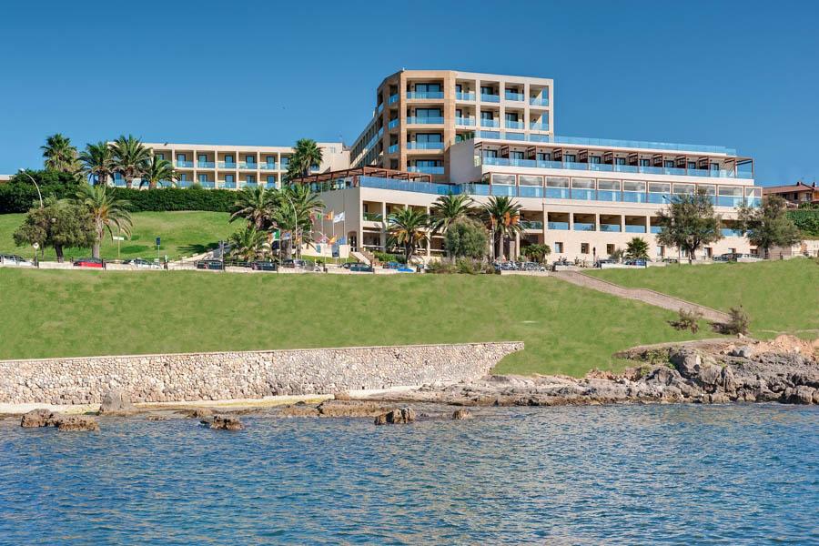 Luxury Hotel: CARLOS V HOTEL