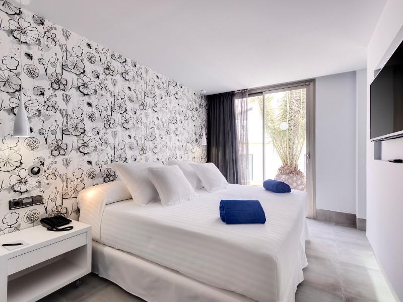 Barcelo teguise beach going luxury for Designhotel lanzarote