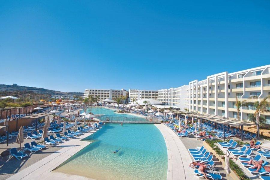 Luxury Hotel: DB Seabank Resort & Spa