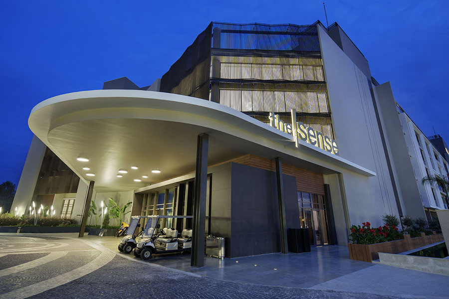 Sense de luxe hotel going luxury for Site hotel de luxe