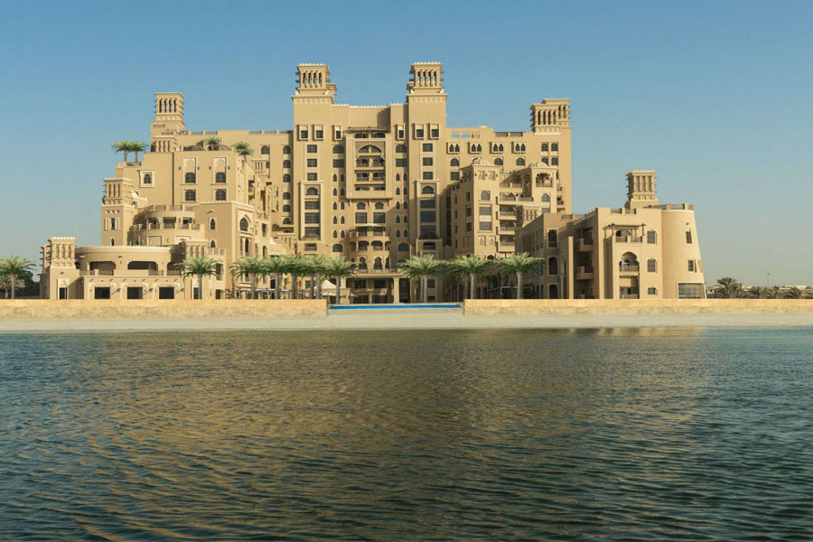 Luxury Hotel: SHERATON SHARJAH BEACH RESORT & SPA