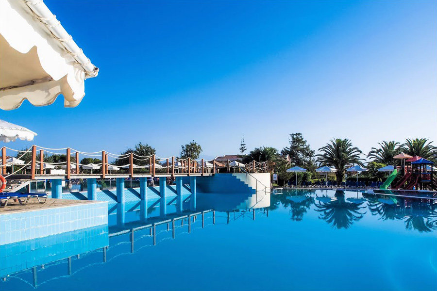 Luxury Hotel: RODA BEACH RESORT & SPA
