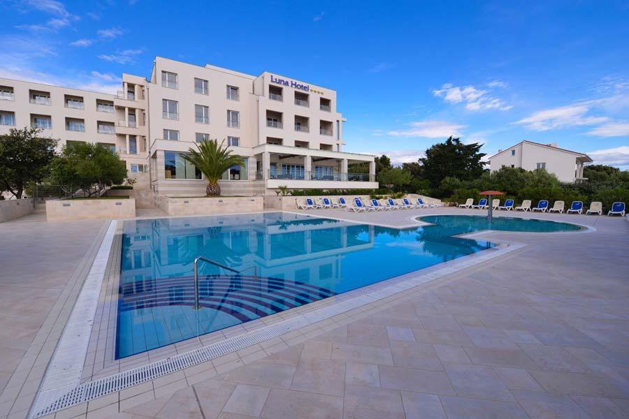 Luxury Hotel: LA LUNA ISLAND HOTEL