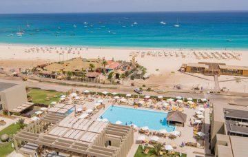Luxury Hotel: OASIS SALINAS SEA HOTEL