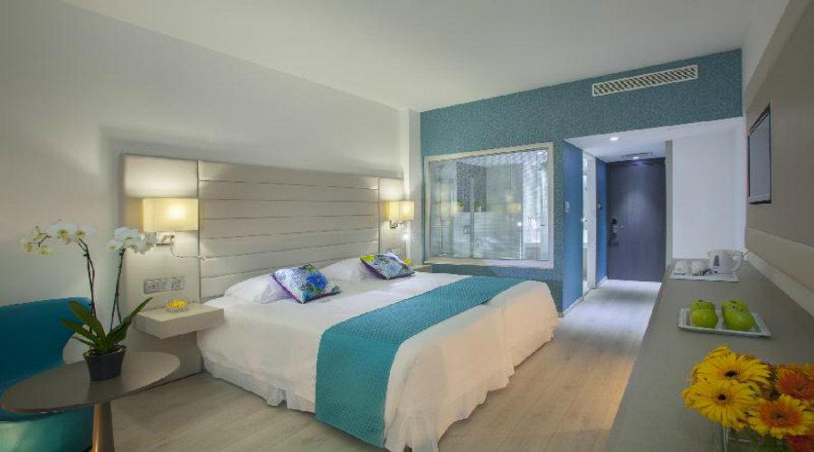 King Evelthon Beach Hotel Resort Superior Room