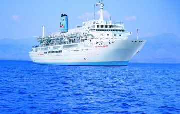 Luxury Hotel: Thomson Spirit Cruise & Stay