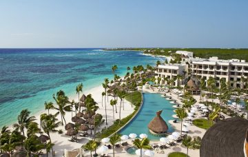 Luxury Hotel: Secrets Akumal Riviera