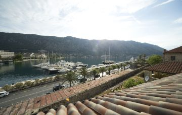 Luxury Hotel: HOTEL ASTORIA KOTOR