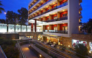 Luxury Hotel: Mediterranean Bay Hotel