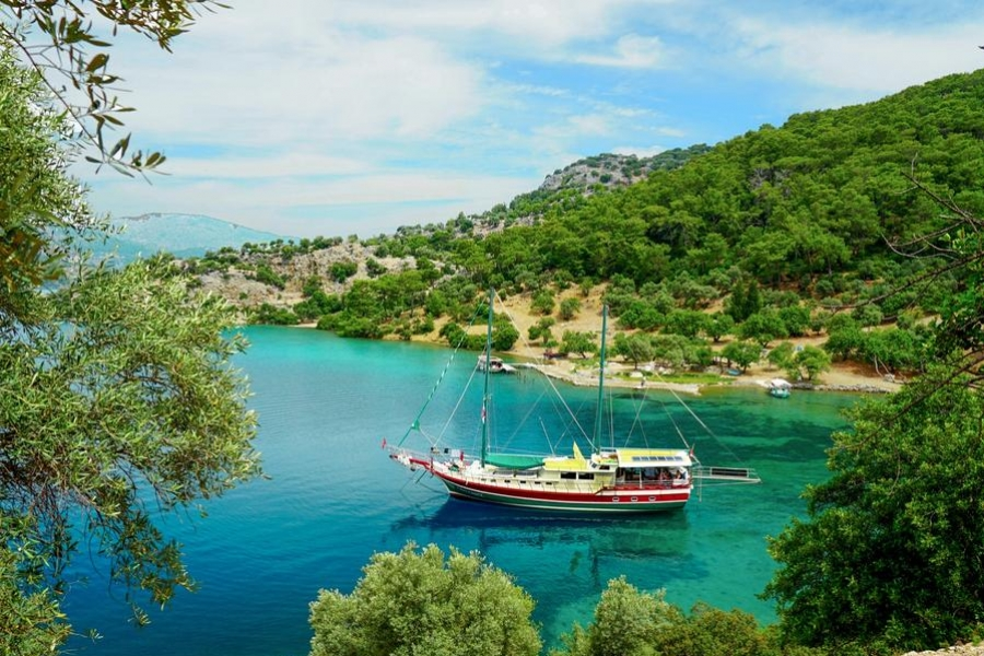 TURKISH GULET CRUISE & STAY