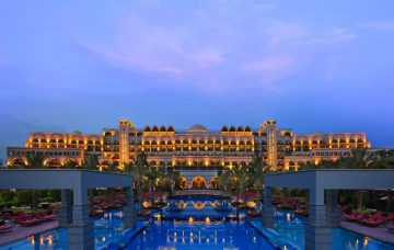 Luxury Hotel: Jumeirah Zabeel Saray