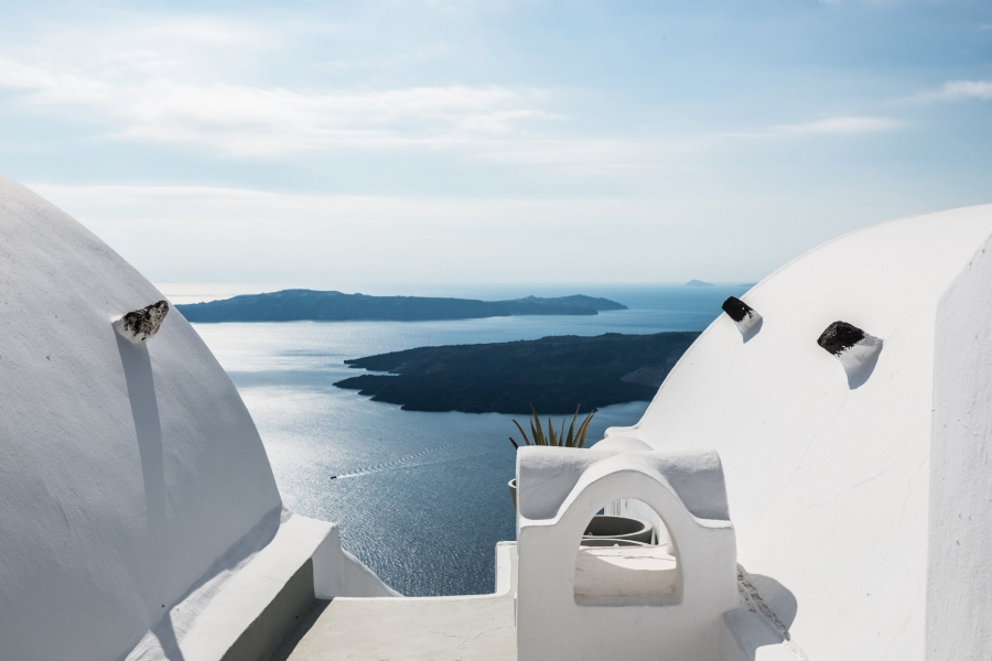 on the rocks hotel santorini reviews