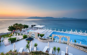 Luxury Hotel: DIMITRA BEACH RESORT