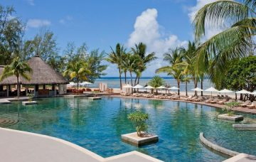 Luxury Hotel: OUTRIGGER MAURITIUS BEACH RESORT