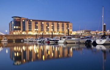 Luxury Hotel: RADISSON BLU WATERFRONT HOTEL JERSEY