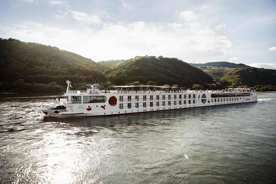 NETHERLANDS & COLOGNE CRUISE & STAY